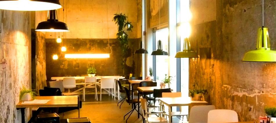 restaurant-onder-de-leidingstraat-strijp-S-Eindhoven-hotspot-deli-dinner-coffee-koffie-tea-thee