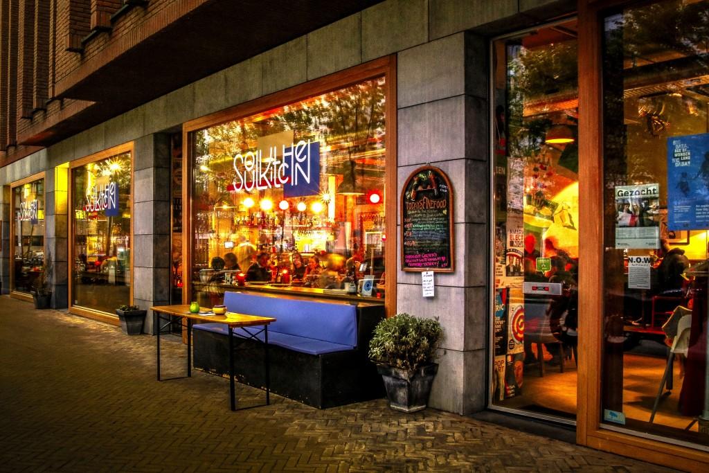 dinner-restaurant-food-hotspot-Eindhoven-strijp-S-Soul-Kitchen-drinks